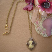 Vintage Style Cameo On A Chain Of Textured Links