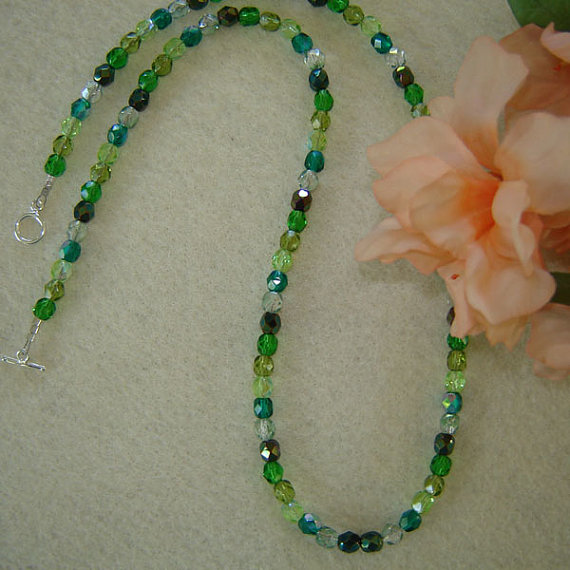 mixture of colors for glass beaded necklace enticing style