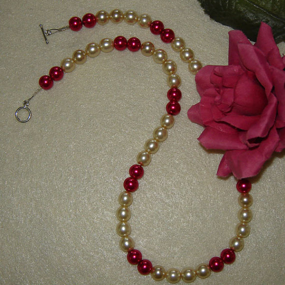 Czech Glass Pearl Beaded Necklace of Creme and Fuchsia